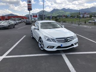 Mercedes-benz E-250 coupe